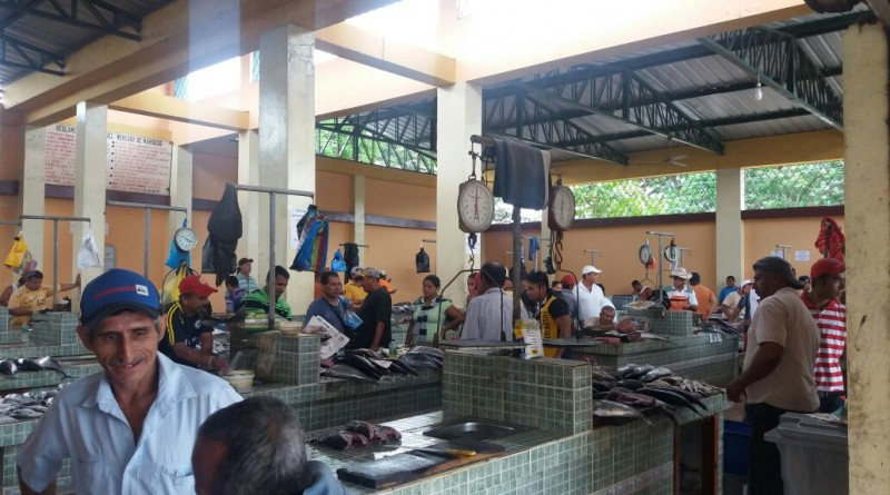Se reactiva el Mercado de Marisco en Santa Ana