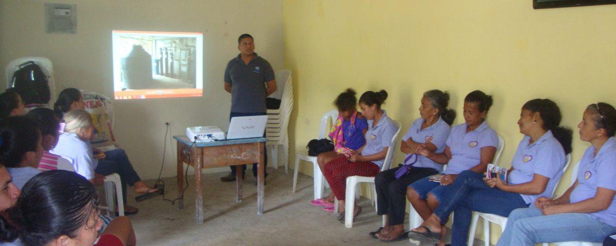 Aporte a la procesadora de citricos en la parroquia Honorato Vasquez  (2)