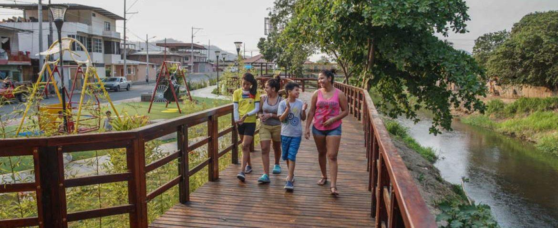 Santa Ana cambia su imagen urbana con un parque lineal