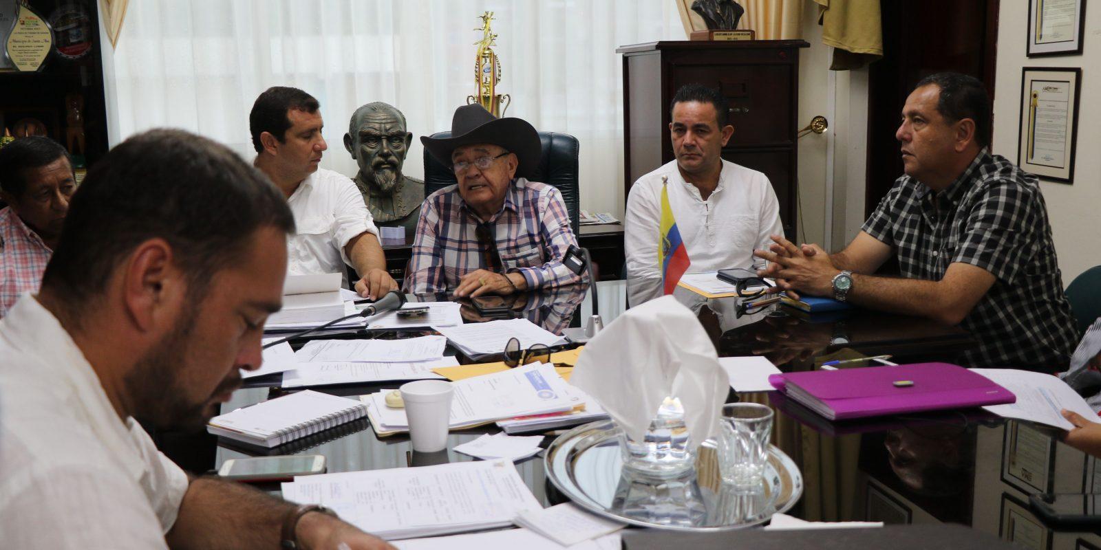 Alcalde de Santa Ana se reúne con el prefecto de Manabí y Alcaldes vecinos