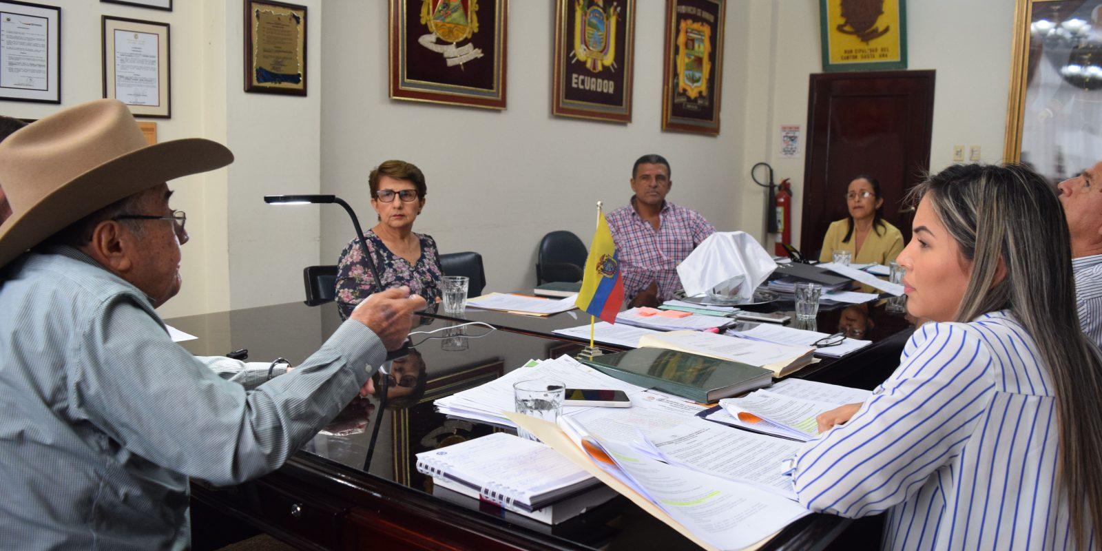Se realiza primera Sesión de Concejo y se eligen comisiones