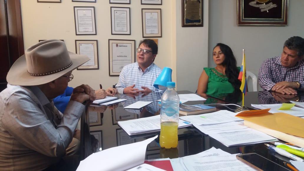 Equipo multidisciplinario de alto nivel se reúne con Ramón Mieles Arteaga, Alcalde de Santa Ana.