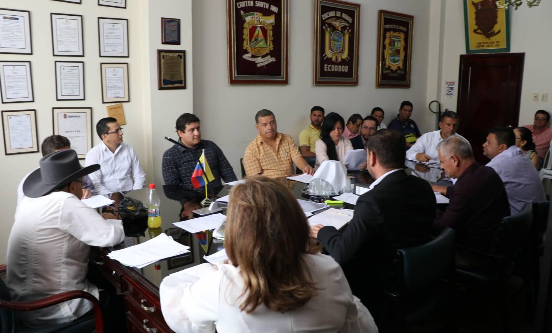 Representantes de Gestión de Riesgos se reúnen con el alcalde Ramón Mieles Arteaga