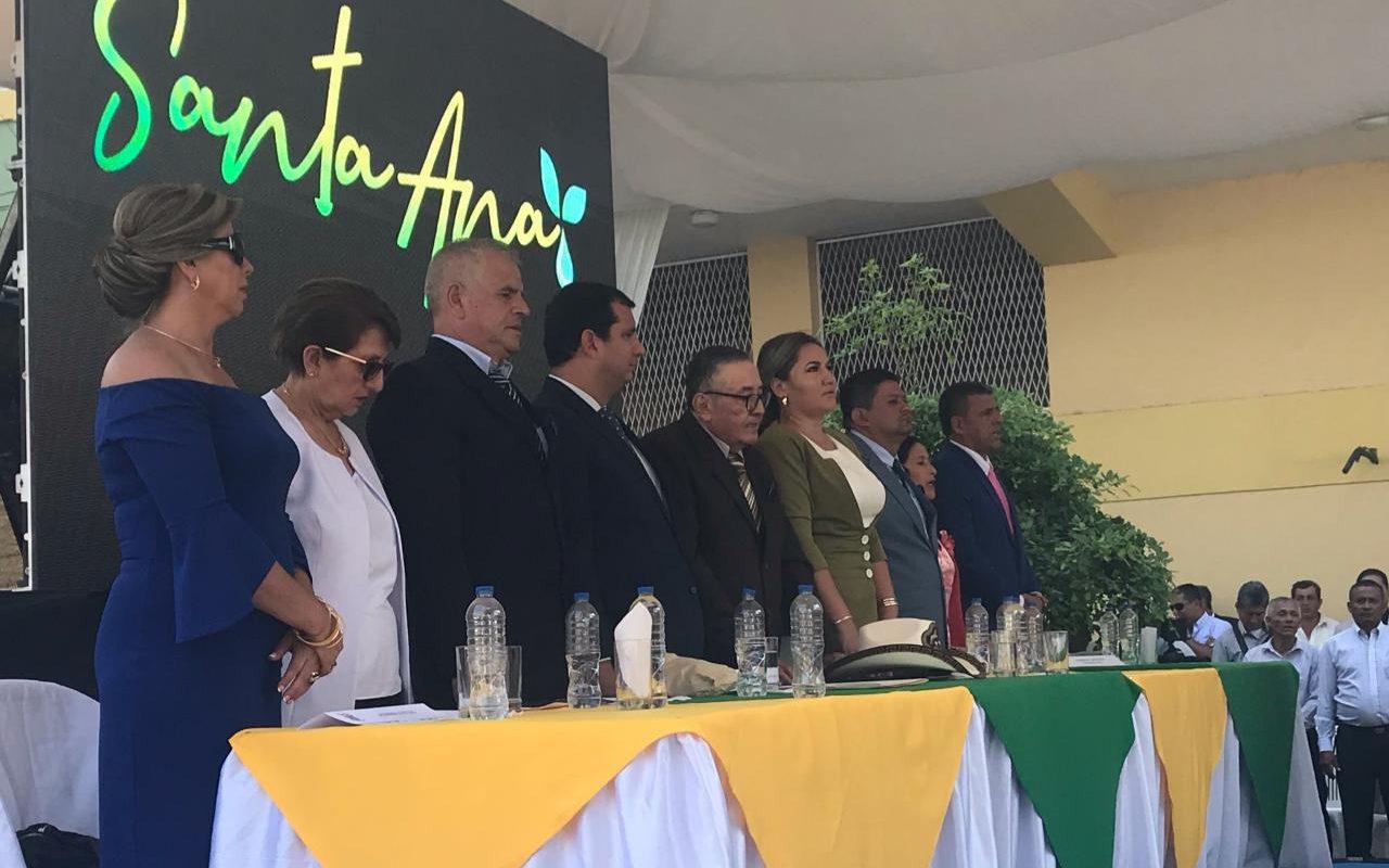 Miles de santanenses participaron del desfile cívico y sesión solemne por los 135 años de Instalación del Primer Cabildo Municipal.