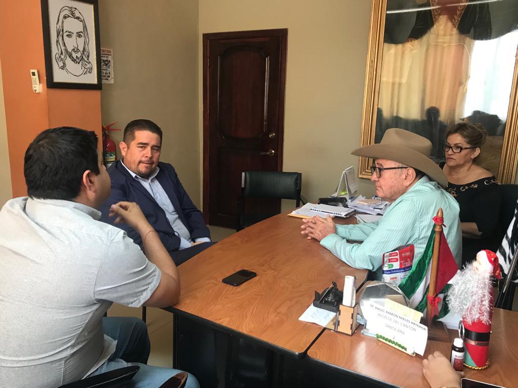 El Cabildo Municipal gestiona proyectos para el desarrollo de Santa Ana