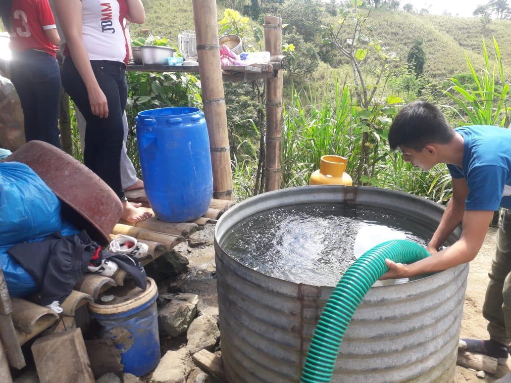 Habitantes de varias comunidades rurales de Santa Ana se sienten satisfechos porque el líquido vital llega a sus hogares.